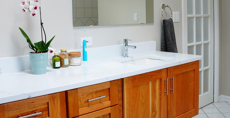 Americraft Downers Grove Hall Bathroom Remodel